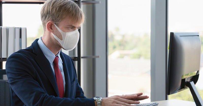 Треть компаний в России снизили зарплату сотрудникам из-за пандемии