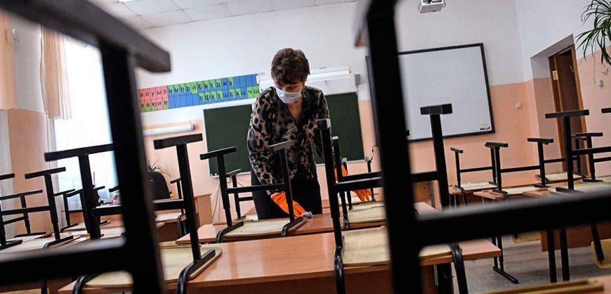 Собянин отправит школьников Москвы на двухнедельные каникулы из-за коронавируса