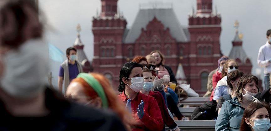 В России за сутки выявили более 8 тысяч случаев COVID-19 впервые с июня