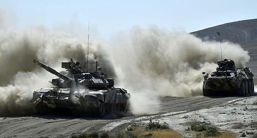 Армения сообщила о потери Азербайджаном десяти танков в бою за Карабах
