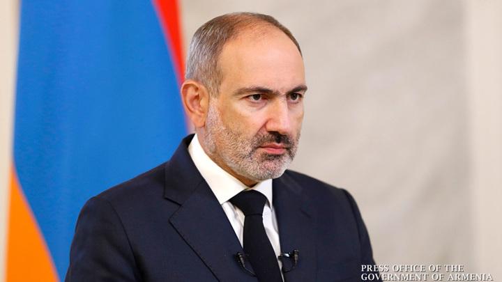 Пашинян призвал армян вступать в добровольческие отряды и с оружием защищать свои права