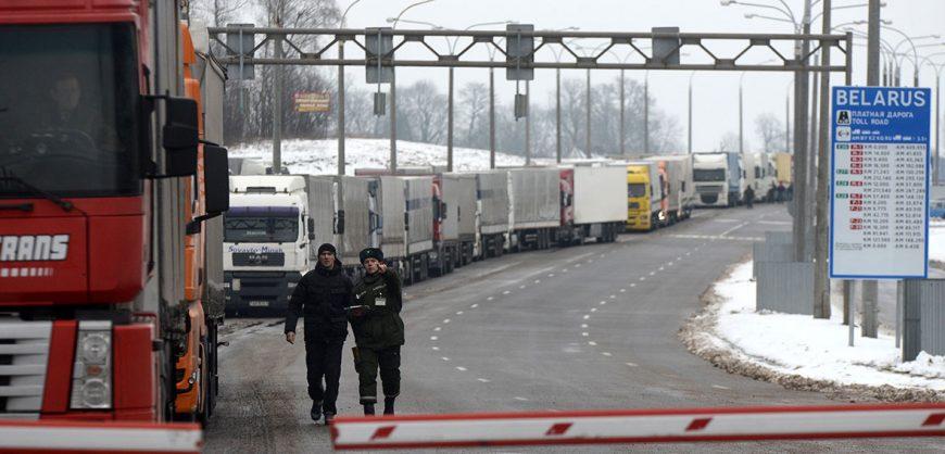 Белоруссия закрыла на въезд все границы, кроме российской