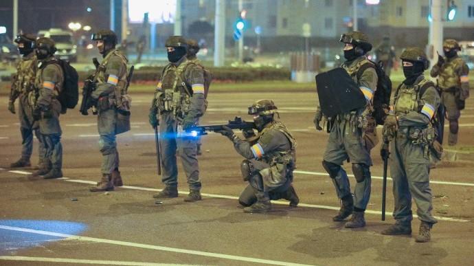 МВД Белоруссии пообещало «гуманно» стрелять по протестующим, если они будут сопротивляться