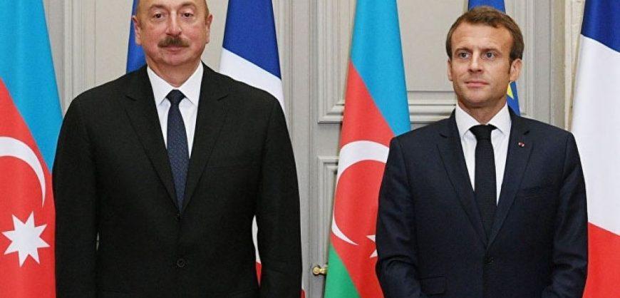 В Азербайджане призвали исключить Францию из Минской группы за резолюцию о признании Карабаха
