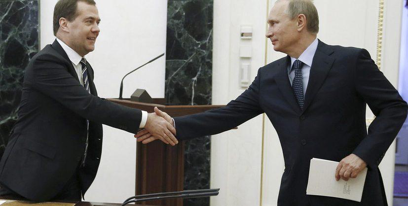 Госдума одобрила законопроект Путина о пожизненном сенаторстве экс-президентов