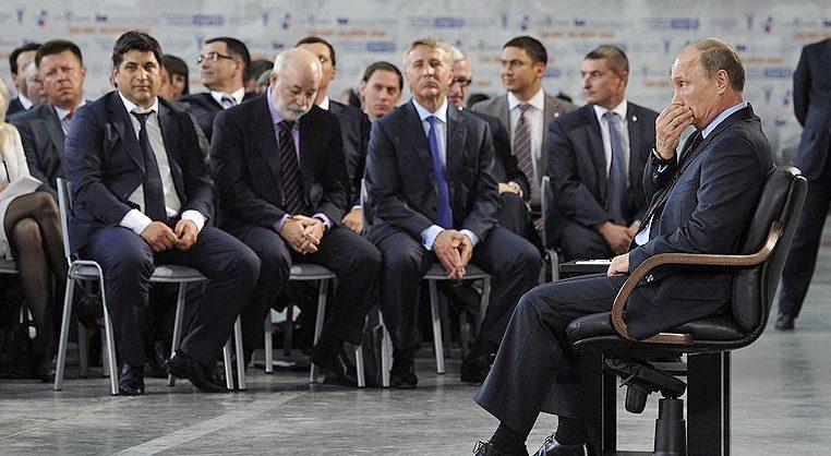 Навальный призал ЕС ввести санкции против олигархов из окружения Путина