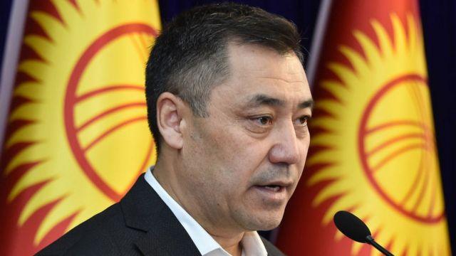 На президентских выборах в Киргизии побеждает освобожденный соратниками из колонии Садыр Жапаров