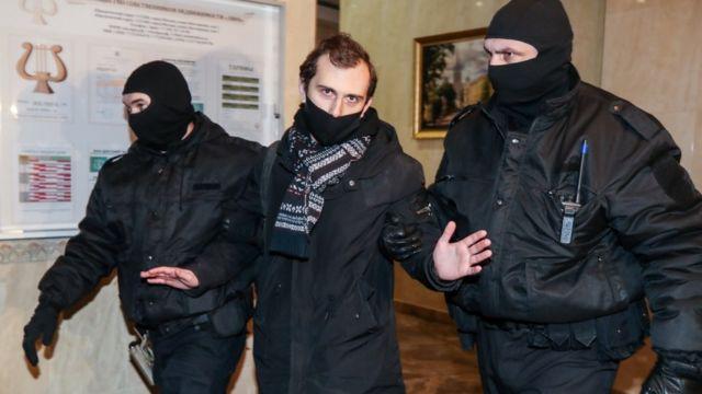 СКР завел более двух десятков уголовных дел после акций в поддержку Навального