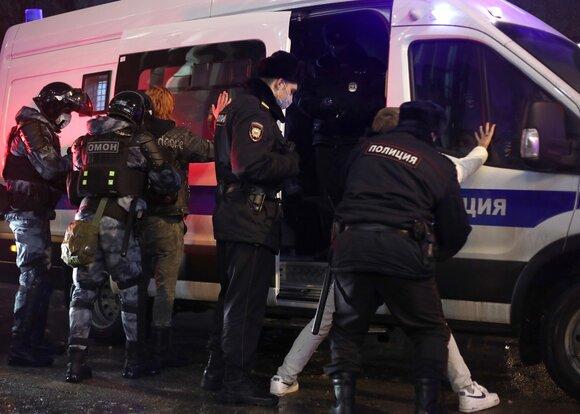 СК отчитался о 20 уголовных делах после акций в поддержку Навального 23 января