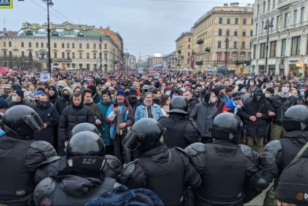 В Петербурге возбуждено дело об «умышленном блокировании» Невского проспекта сотнями протестующих 23 января