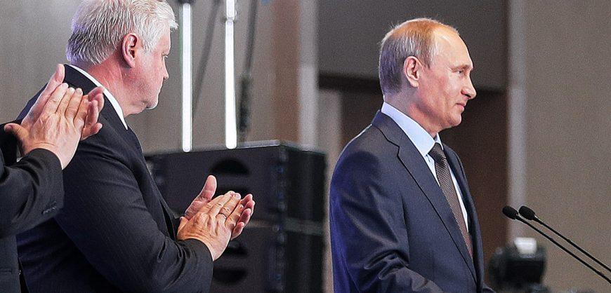 Партия Миронова, группировка Прилепина и организация «Патриоты России» договариваются об объединении под эгидой Кремля