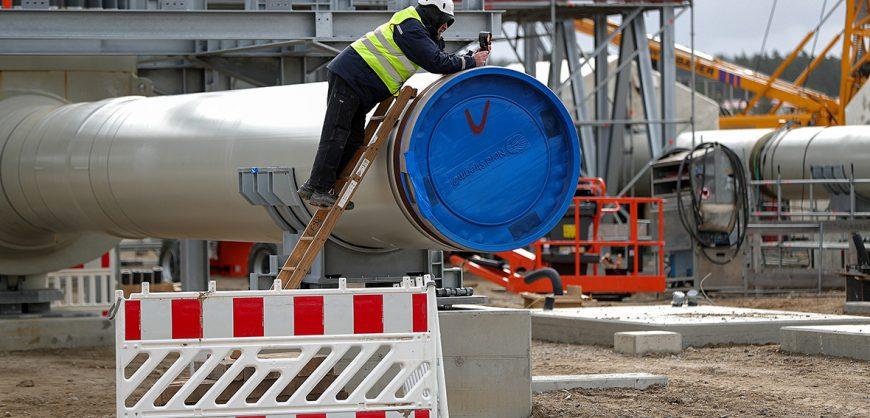 «Газпром» предупредил инвесторов о рисках приостановки «Северного потока-2» из-за «политического давления»