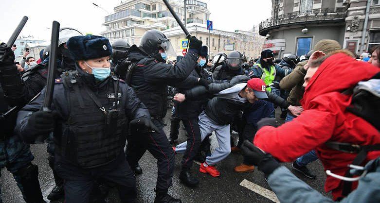«ОВД-Инфо»: на акциях в поддержку Навального по всей стране задержаны порядка 3300 человек