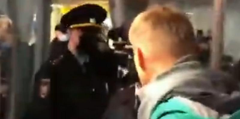 ФСИН задержала Алексея Навального в аэропорту Шереметьево