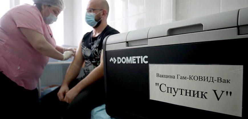 В России с 18 января стартовала массовая вакцинация от коронавируса